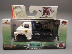 M2 R 29 1/64 scale AutoTrucks 1957 Dodge COE Tow Truck Wrecker Black White MIB