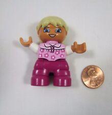 LEGO DUPLO Blonde TODDLER GIRL DAUGHTER Pink Flowers Shirt FIGURE Rare