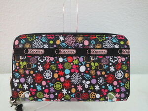 NWT LESPORTSAC LARGE ZIP AROUND WALLET POPPET