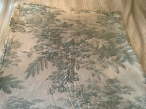 POTTERY BARN White w/ Teal Floral Design 100% Crisp Cotton Flat Sheet - Queen