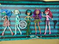 MONSTER HIGH SKULL SHORES 5 PACK GHOULIA FRANKIE CLEO CLAWDEEN DRACULAURA doll
