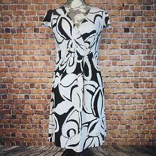 Merona Women  Dress Size  Medium V Neck Black An White Floral