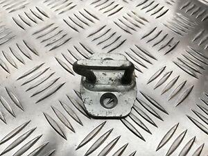 D1 OEM MERCEDES-BENZ SPRINTER 906 FRONT DOOR LOCK STRIKER A9067200004