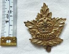 Military WW2 Canada Canadian Forces CEF Maple Leaf Cap Badge (4481)