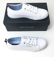 Tommy Hilfiger Women's Lumidee 2 White Sneaker Shoes Size 8.5 NEW