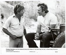 Clint Eastwood in Any Which Way You can vintage movie photo/still #3