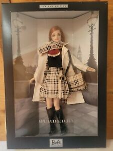 Vintage - BARBIE DOLL 2000 BURBERRY LIMITED EDITION 29421