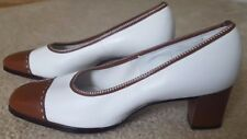 Vintage Women's Naturalizer Low Block Heels Brown/White Size 7 New Old Stock
