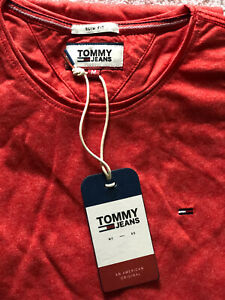 Mens Tommy Hilfiger crew neck short sleeve  t-shirt size XL slim fit.New. Red