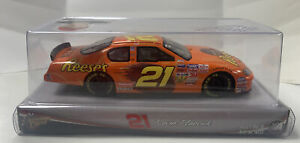 2004 Winner's Circle NASCAR #21 Kevin Harvick Reese's 1:24 Scale Monte Carlo