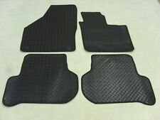 VW Golf Plus MK6 2010-on Fully Tailored Deluxe RUBBER Car Mats in Black