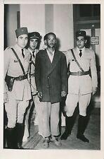 TUNISIE 1953 - Assassin du Prince Azzedine Bey  Policiers Tunis- PR 44