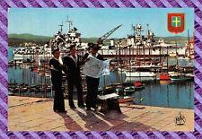 CPM 83 - TOULON sur le carré du port