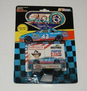 Nascar Racing Champions RICHARD PETTY Pepsi 400 1992 1/64 Diecast Autographed