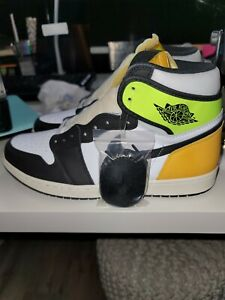 AIR JORDAN 1 VOLT/GOLD 194501149907
