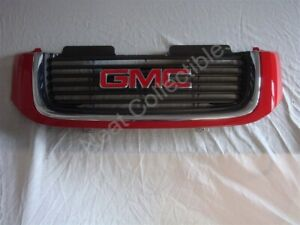 NOS OEM GMC Envoy Grille 2002 Victory Red with GMC emblem