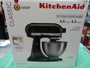 NEW KitchenAid Classic Series Tilt-Head Stand Mixer 4.5 Quarts -Onyx Black