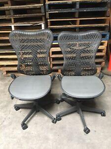 2 XHerman Miller Mirra Chair - Graphite - Gaslift Sprung  (25)
