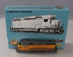 Proto 2000 23221 HO Scale Union Pacific GP30 Diesel Locomotive #868/Box