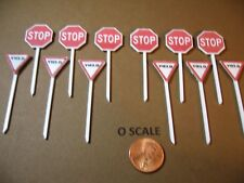 NEW N SCALE SET C 5 STREET SIGNS DO NOT ENTER, ROUNDABOUT, CHILDREN PLAYING.
