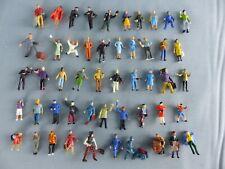 Lot de 50 figurines personnages Ho 1/87 peintes cheminots voyageurs ouvriers 9