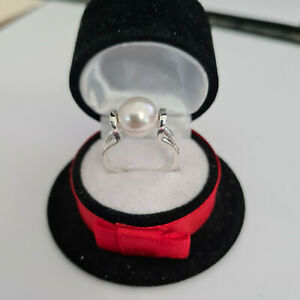 Stunning Austrian Pearl crystal solitaire ring in Sterling Silver