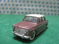 Vintage  -     FIAT 1200 Gran Luce    -  1/43  Dinky toys 531