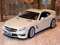Mercedes Benz SL65 AMG Hartop 1:24 Scale Die-cast Model Car Bburago