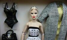 NRFB Royal Treatment Gift Set Veronique Perrin Fashion Royalty Integrity doll