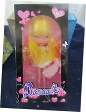 BASAAK YELLOW HAIR BLYTHE CLONE DOLL WITH OUTFITS, STAND , SHOES NEW IN BOX !!