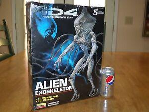 "[ID4] Independence Day MOVIE] ALIEN - Exoskeleton, Plastic Model Kit, 10"" TALL"