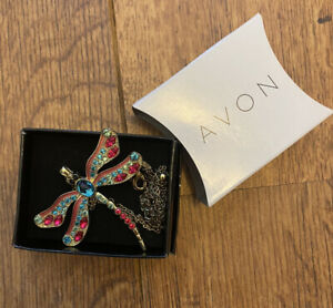 Avon Beautiful Gold Colour Dragonfly Pendant Necklace Costume Jewellery