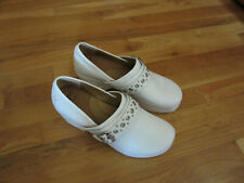 NEW WOMENS NURSEMATES 11 11M WHITE CHELSEA CLOG STYLE SLIP ON NURSE SHOES