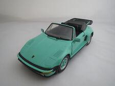 Revell  Porsche  930  Turbo  Slant  Nose  (mint-grün)  1:18 ohne Verpackung !!!