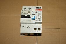 1 disjoncteur différentiel ABB 10 A  Ampéres 300 mA 2P