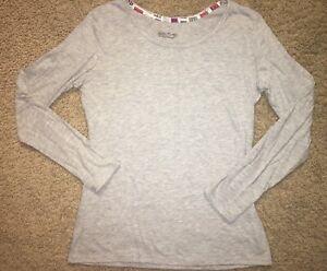 GILLIGAN & OMALLEY Women's Gray Pj Top Sleepwear Holiday / Christmas Door Size M