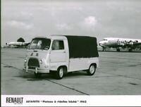 Photo de presse ancienne Estafette  Renault  usine Billancourt modèle 1962