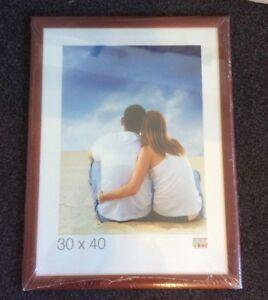 """Photo Frame Red Wood - Deknudt S40CL4 - Photo Size 11.7"""" x 15.6"""" / 30 x 40cm"""
