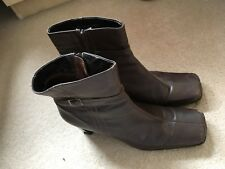 Brown High Heeled Boots Size 7 BARRATTS - Worn