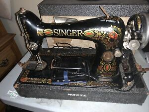"""1920 Antique Singer Model 66"""" Red Eye"""" Portable Sewing Machine Works Great!"""