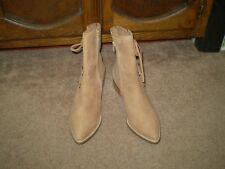 """NEW MATISSE """"PROPER"""" WOMENS TAN SUEDE ANKLE BOOTS SIZE 9-1/2"""