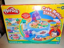Play Doh Cake Makin Station 2009 - Incomplete