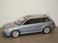 Audi RS4 Avant - Minichamps 1:43 *36760