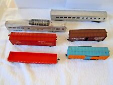 LOT OF 6 ASSORTED HO SCALE TRAIN CARS~GREAT FOR STARTUPS OR PARTS ~ INV# 1184
