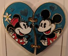 DISNEY 2016 Mickey & Minnie Mouse Two Piece Heart Pin