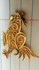 Crown TRIFARI Pin Brooch Rooster Chicken Vtg Gold tone