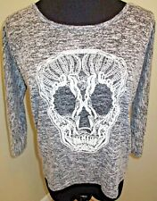 No Boundaries Grey & White SKULL Lightweight Sweater Size Medium 7-9 Juniors EUC