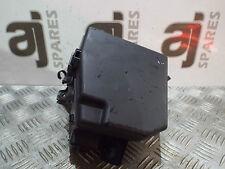 toyota yaris fuses fuse boxes toyota yaris t3 s 1 3 2008 under bonnet fuse box