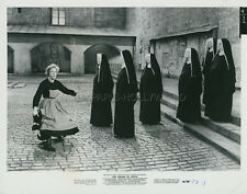 JULIE ANDREWS THE SOUND OF MUSIC 1965 VINTAGE PHOTO ORIGINAL #11