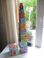 👿  Jouet Empilables 10 Cubes Pyramide Nature Rigolos Djeco